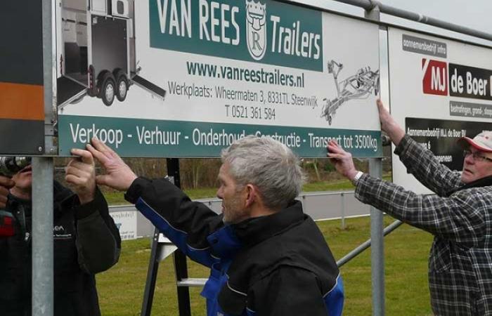 Bordsponsor Van REES trailers